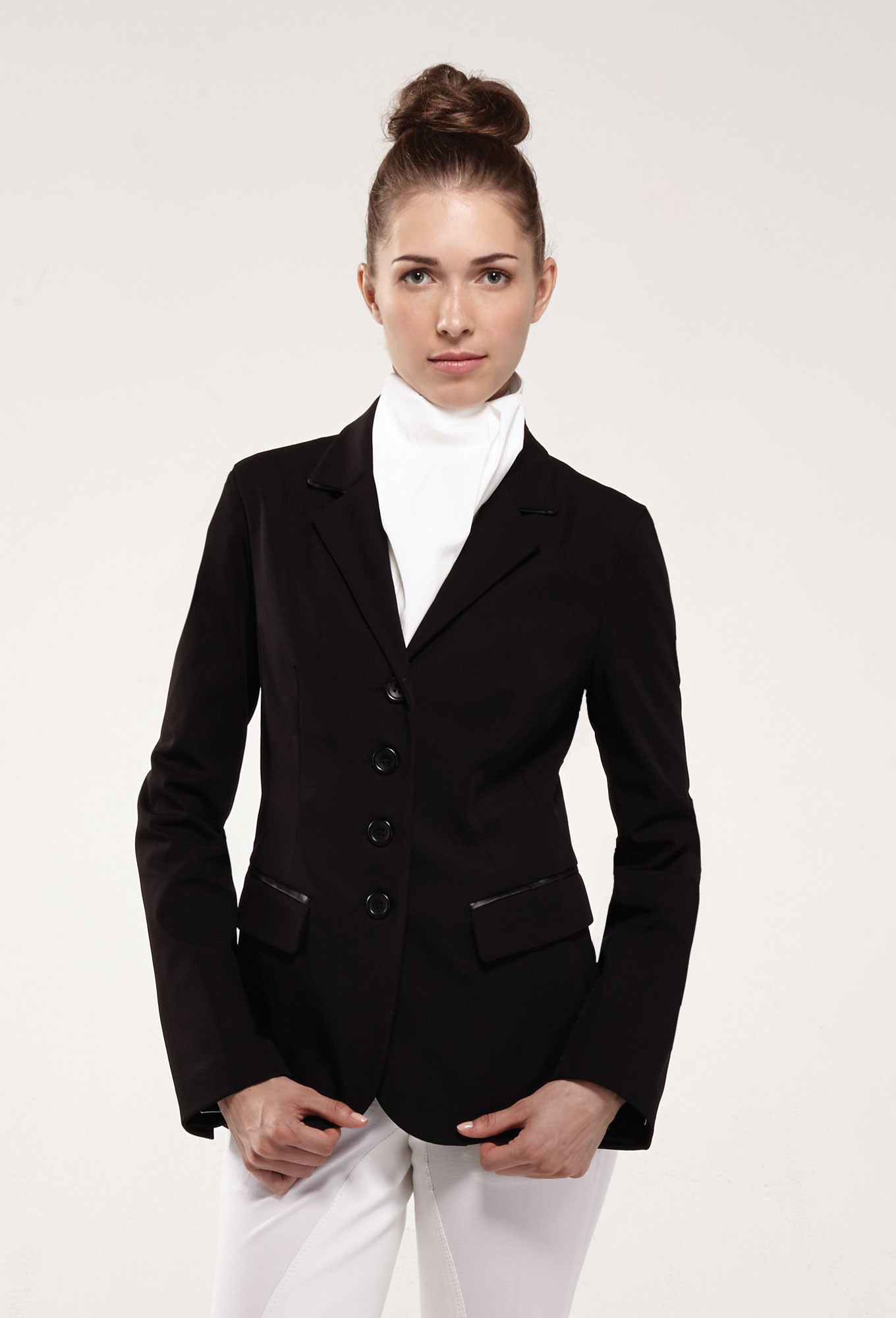 Founded in most known for her contemporary spa uniforms collection, Noel Asmar Uniforms is a premium uniform brand designing men's and women's tunics, suiting, athleisure & resort uniforms for some of the worlds most iconic brands.